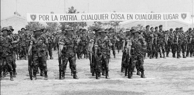 Formación de tropas del Batallón Ramón Belloso.
