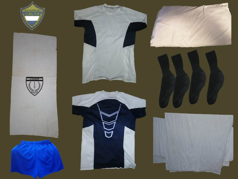 A un soldado recluta que de sueldo le entregan 205 dólares, le están descontando 83 dólares por estas prendas personales fabricadas en el Comando de Apoyo Logístico de la Fuerza Armada.