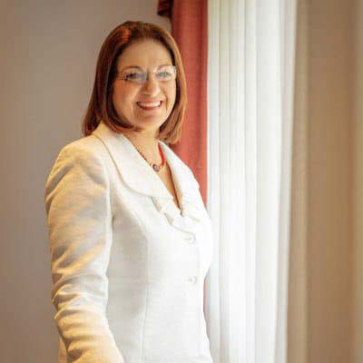 Carla Evelyn Hananía Zablah de Varela, ha sido nombrada como ministra de Educación por el presidente electo Nayib Bukele